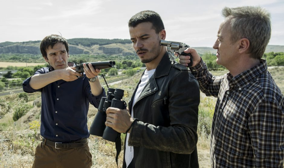 Daniel Ortiz, Adryen Mehdi y Carlos Hipólito en Vis a Vis T1x07
