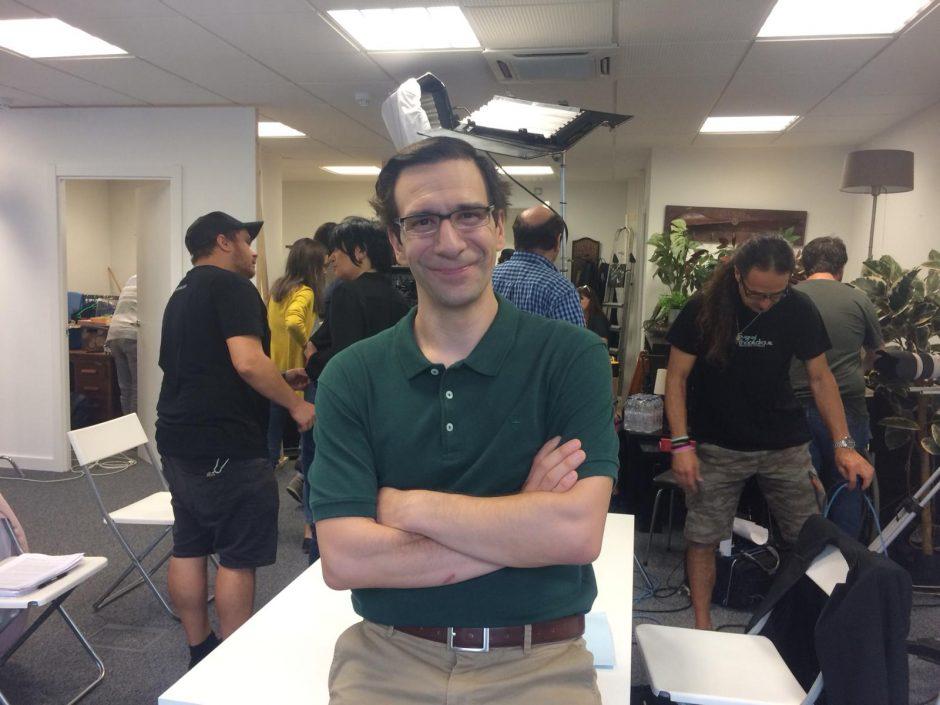 Daniel Ortiz en un descanso del rodaje de VPO
