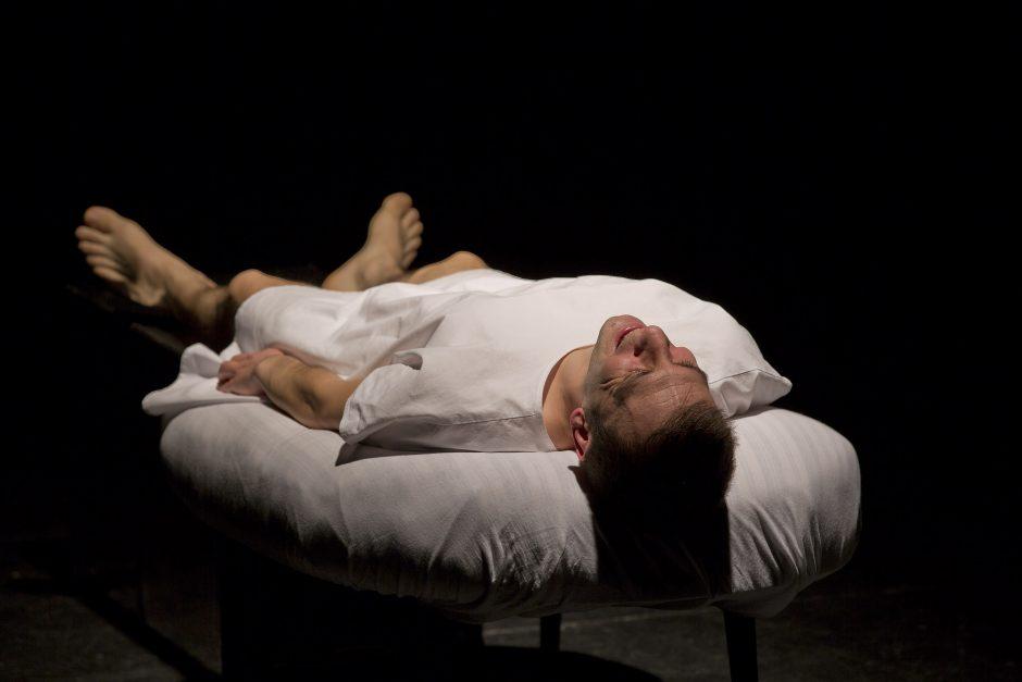 El actor Daniel Ortiz en el monólogo teatral PRELUDIO, de Jesús Ruiz Mantilla